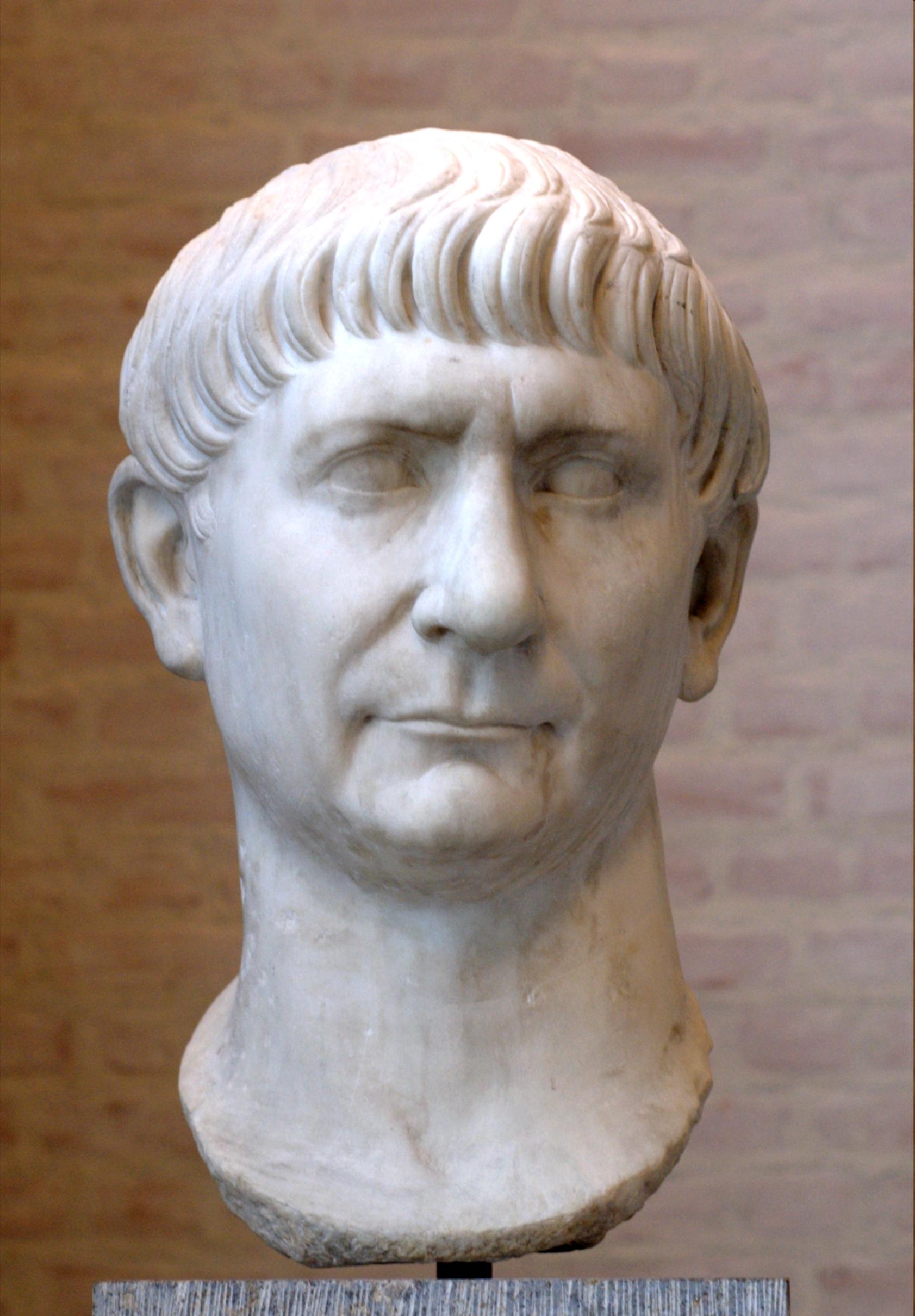 Traianus_Glyptothek_Munich_336.jpg
